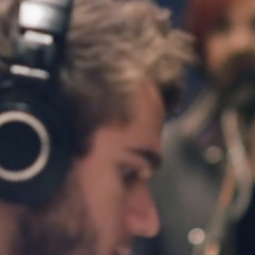 Zedd ft. Hayley Williams – Stay The Night (Acoustic)