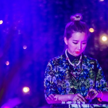 Tokimonsta – The World Is Ours